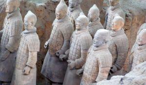 Terrakotta-Armee -Krieger in Reih und Glied