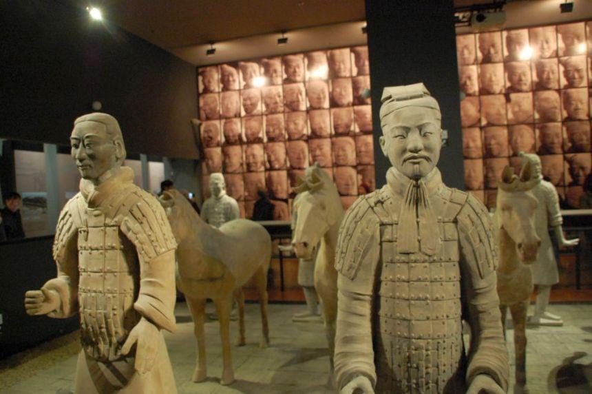 Im Museum kommt man den Kriegern ganz nahe.