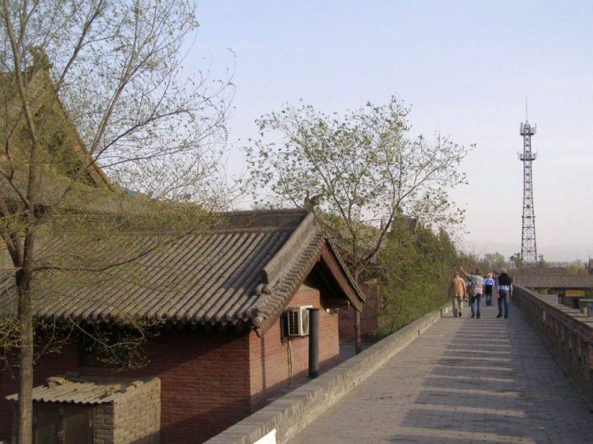 Shuanglin-Tempel Mauer