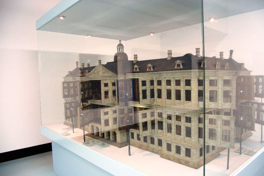 Model eines palastähnlichen Gebäudes aus dem späten Mittelaltere
