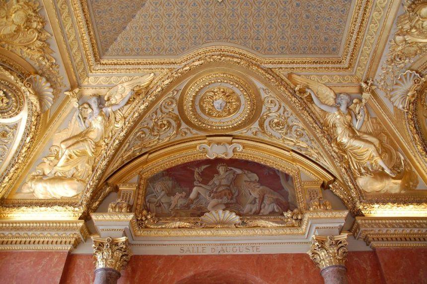 Louvre Stuckdecke