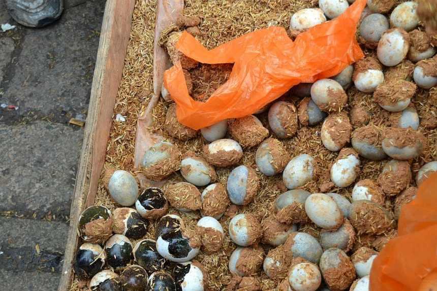 Tausendjährige Eier auf dem Markt