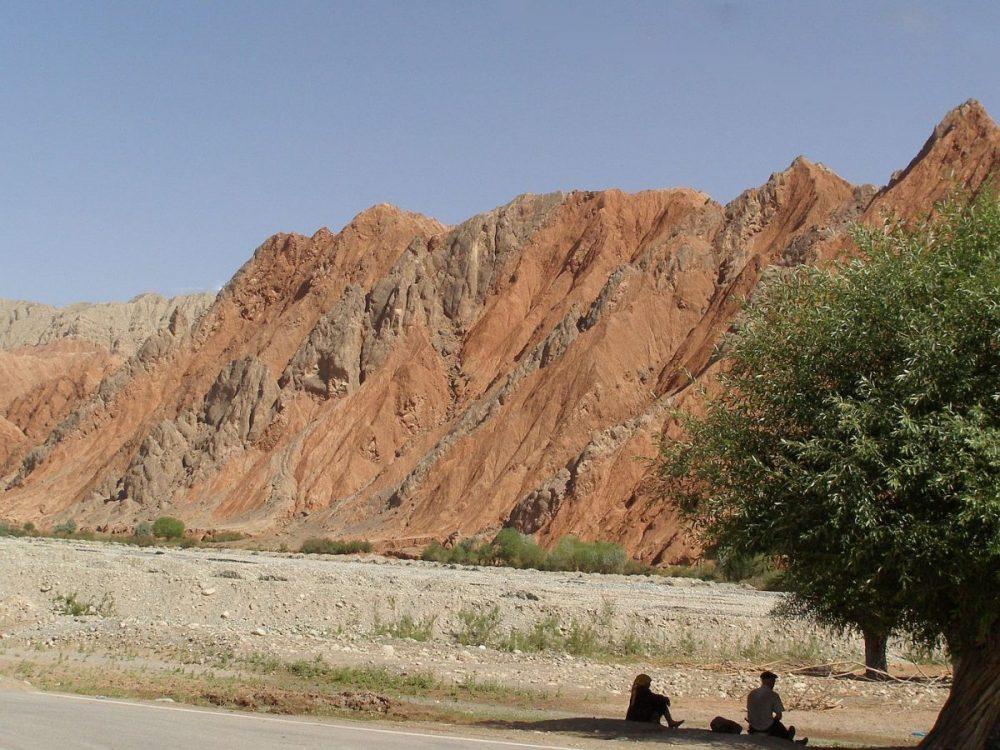Karakorum Highway 2007. Manchmal ist es gerade die Wüstenlandschaft, die mich besonders beeindruckt.