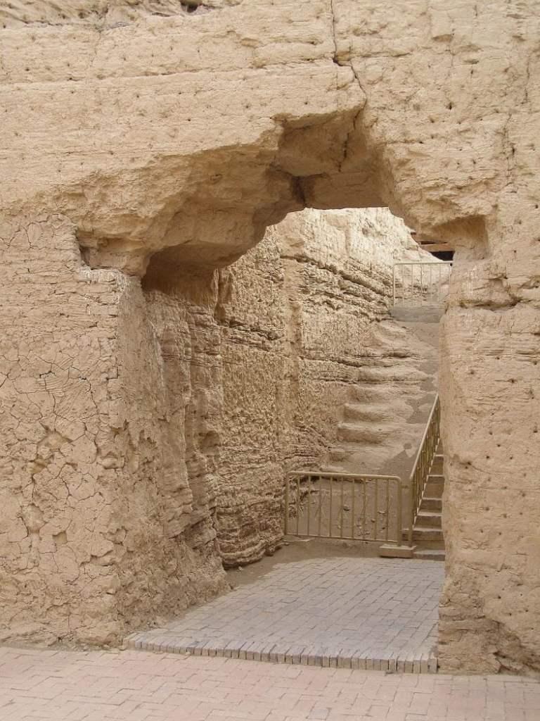 "Jioahe -Turfan - Eingang zum ""Palast"""