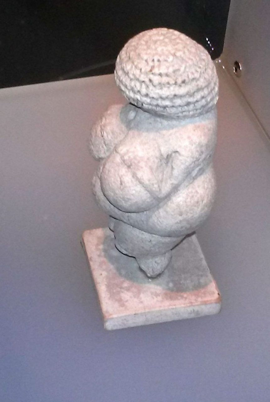 Venus von Willendorf (Replik)