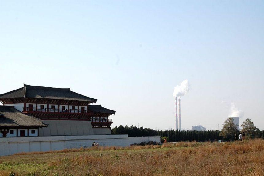 Hanyangling . Das rekonstruierte Südtor