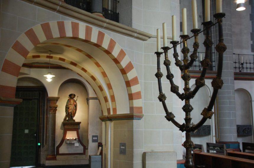 Siebenarmiger Leuchter aus dem 11. Jahrhundert - Essen Dom