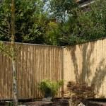 Bambus-Sichtschutz mit Edelstahl
