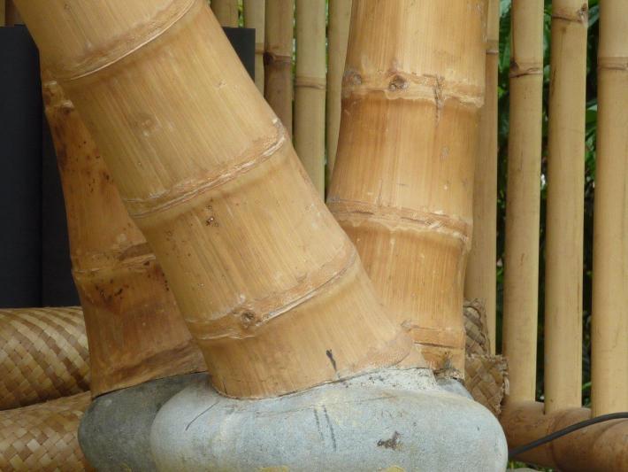Fusspunkt eines Fundamenanschluss für Bambusstangen CONBAM