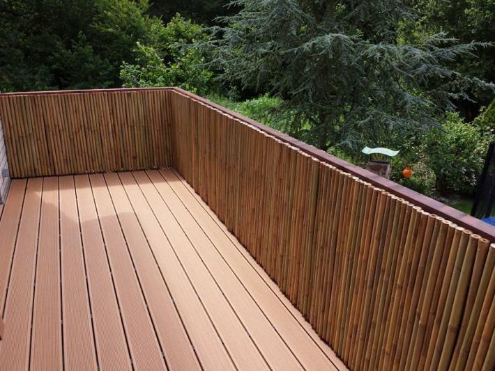 Bambus-Sichtschutz-Geländer-ausTonkin-Bambusmatten-vom-Bambushandel-CONBAM.jpg