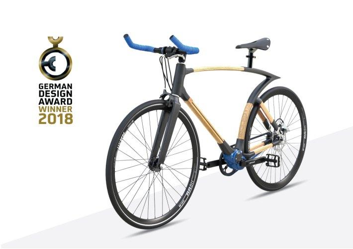 Deutscher Designpreis Bambusfahrrad mit Rahmen aus Bambuslatten Smart Grass Bicycles.jpg