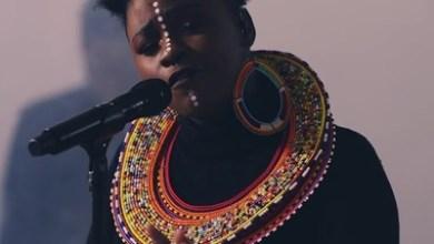 Amanda Black – Famous (Acoustic Version)