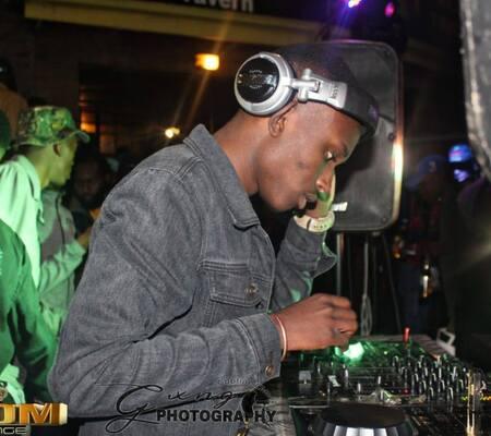 SoRa Da DJ – Umkhangeli