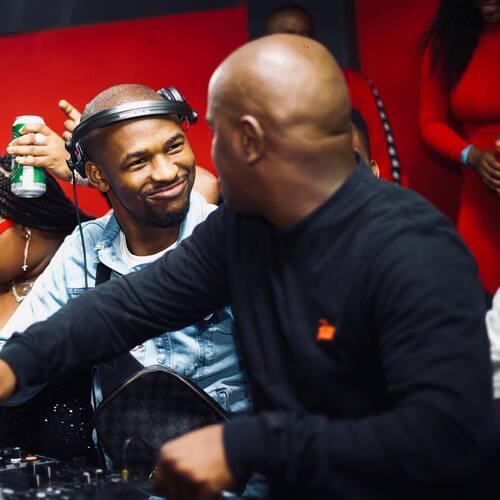 Mshayi & Mr Thela – Vuku Zenzele Mp3 Download