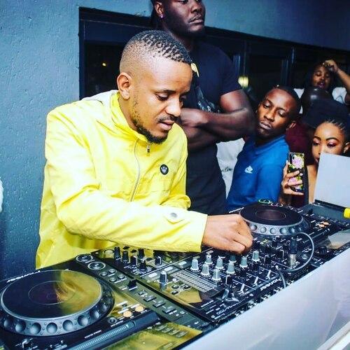 Kabza De Small ft. Young Stunna – Hadiwele Mp3 Download