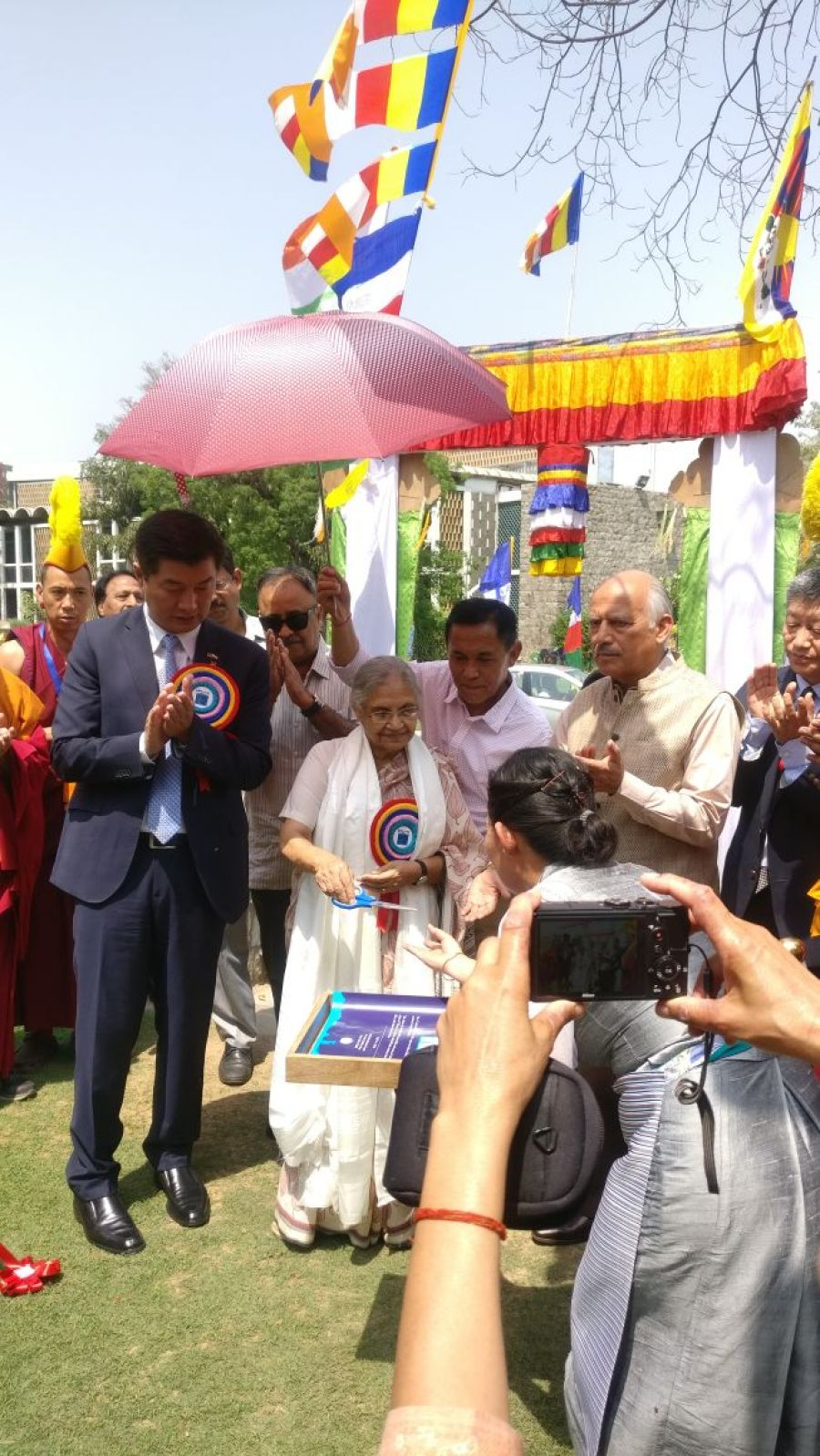 Inauguration of Tibet Cultural fest by L-R, Dr. Lobsang Sangay, President Central Tibetan Administration and Former Delhi CM, Smt. Sheila Dixit