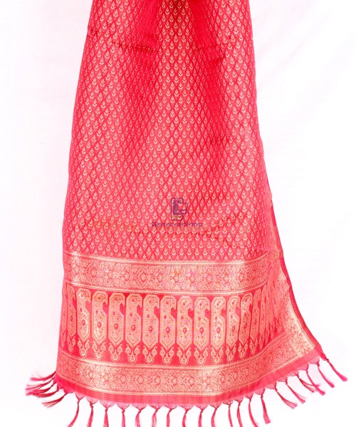 Handwoven Tanchoi Banarasi  Silk Stole in Berry Red 5
