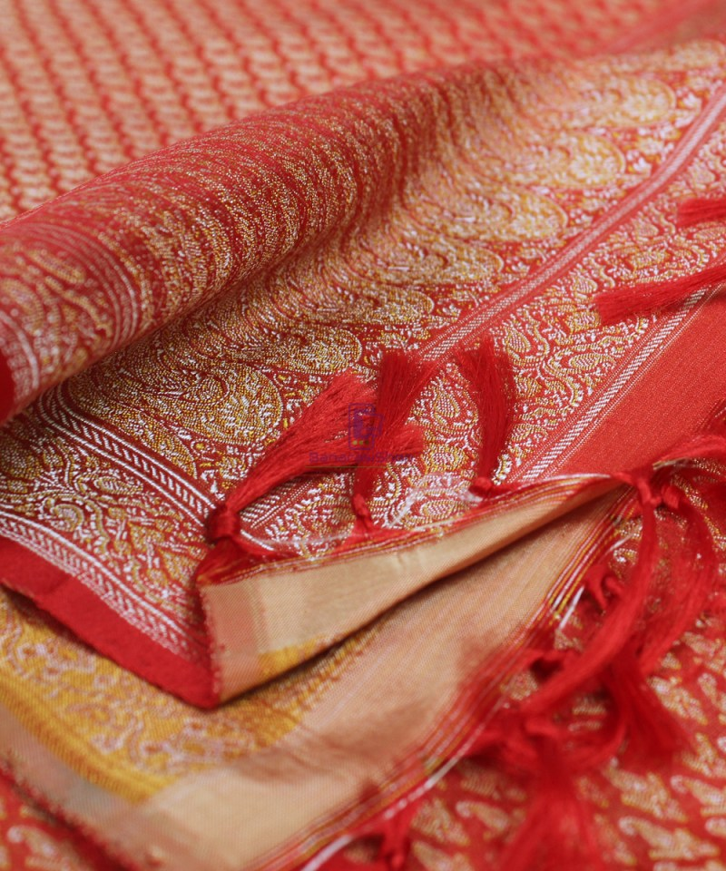 Handwoven Tanchoi Banarasi Silk Stole in Red 1