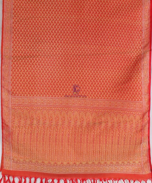 Handwoven Tanchoi Banarasi Silk Stole in Red 5