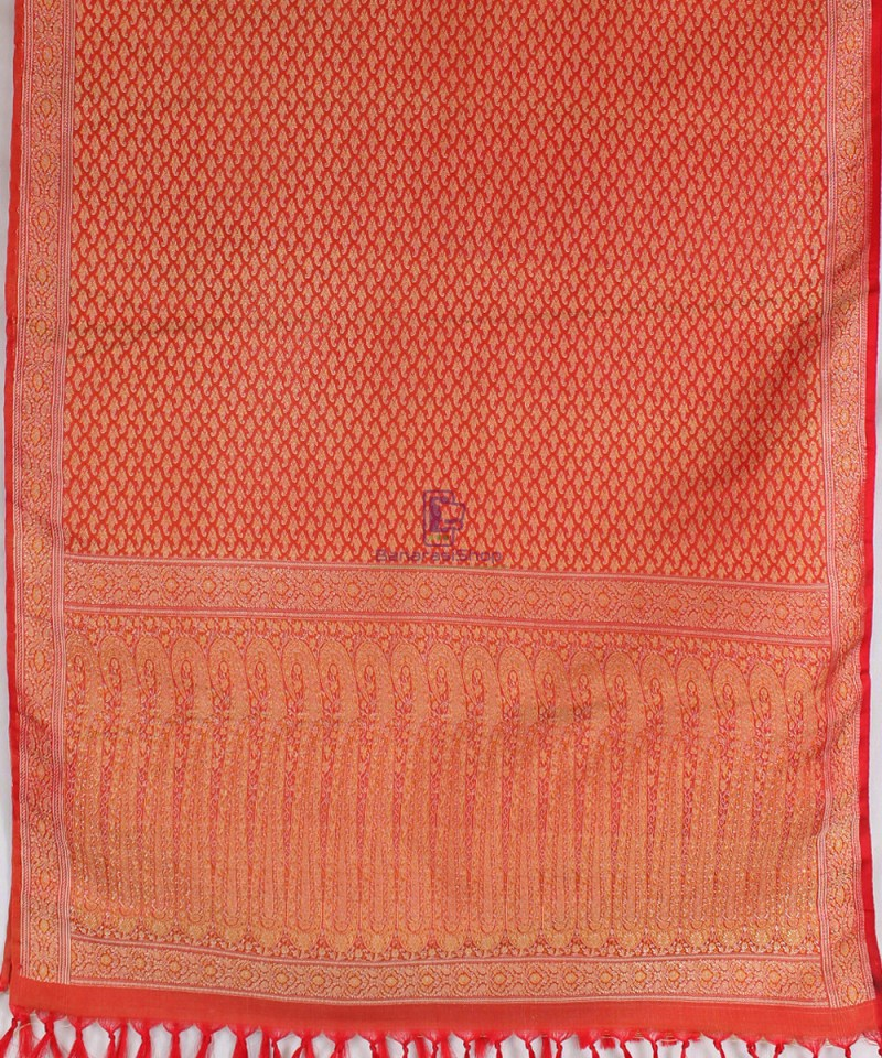 Handwoven Tanchoi Banarasi Silk Stole in Red 3
