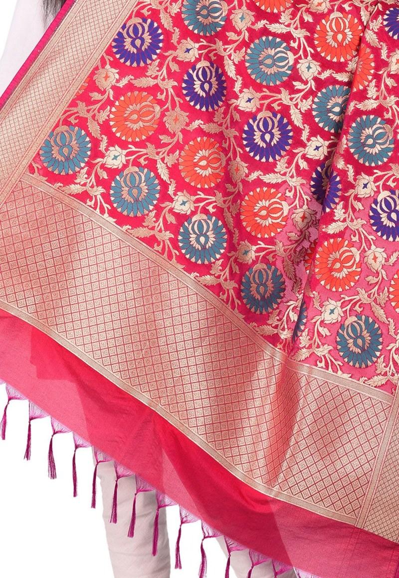 Woven Banarasi Art Silk Kimkhab Dupatta in Fuchsia 2