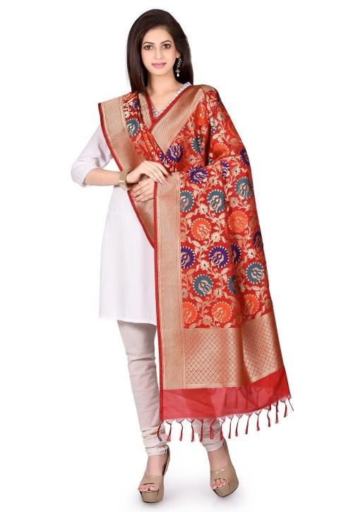Woven Banarasi Art Silk Kimkhab Dupatta in Red 5