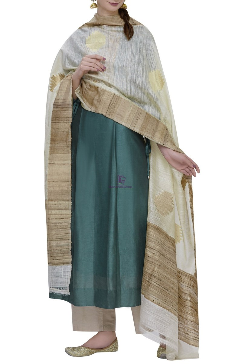 Banarasi Pure Dupion Silk Handloom Cream Dupatta With Khichha Pallu 2