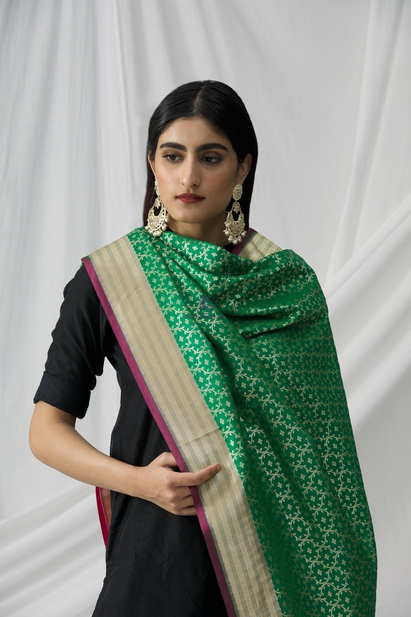 Woven Banarasi Art Silk Dupatta in Green 5