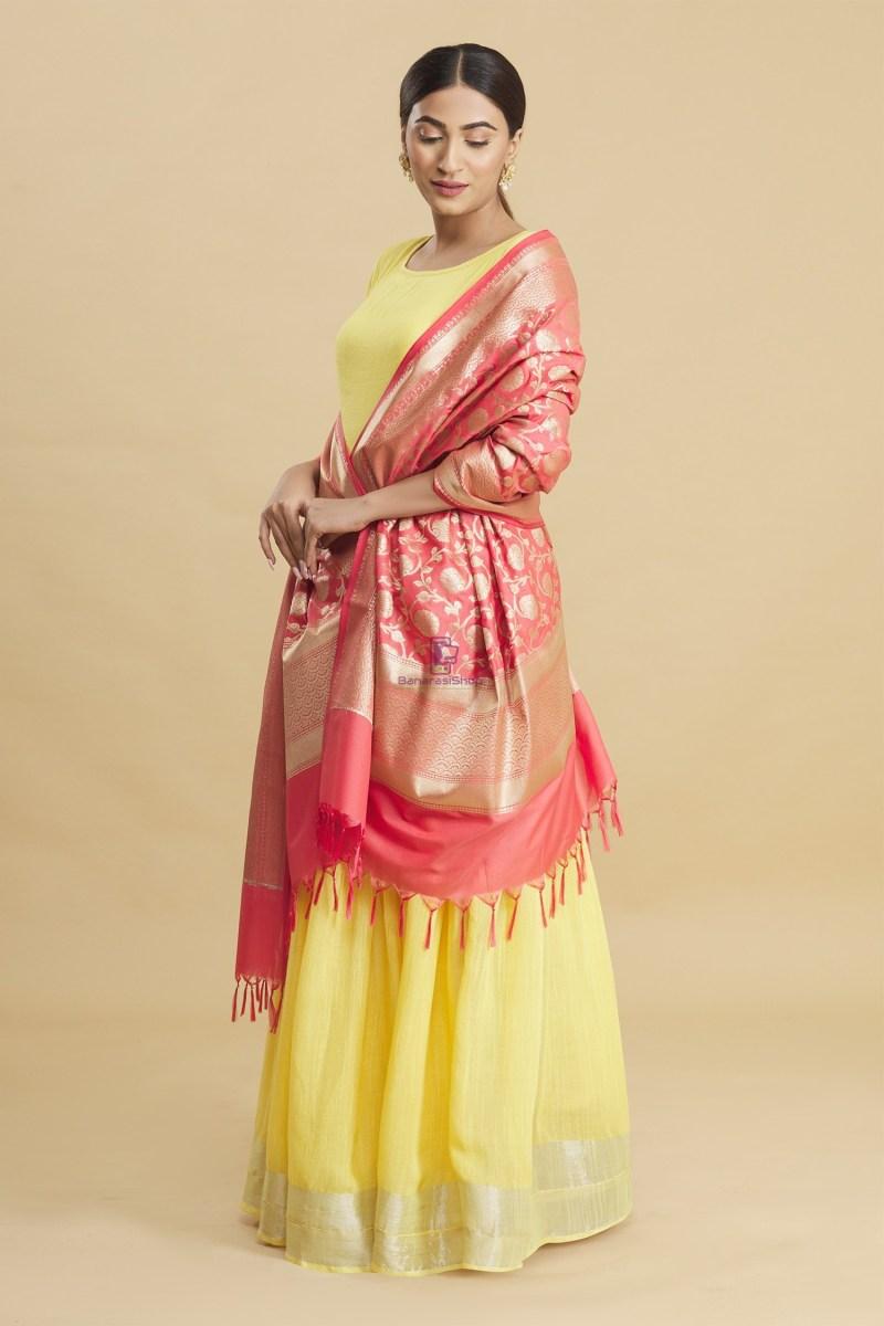 Woven Banarasi Art Silk Floral Tassel Dupatta 2