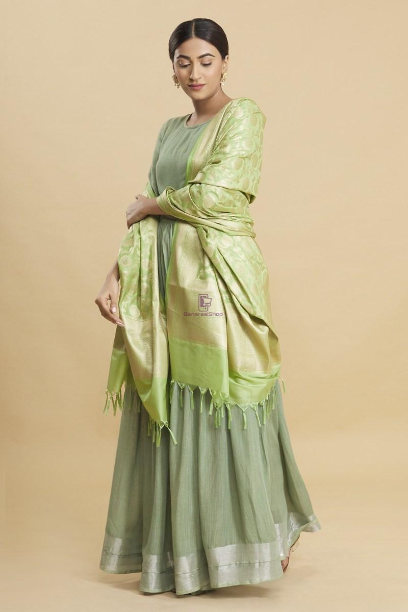Woven Banarasi Art Silk Floral Tassel Dupatta 3