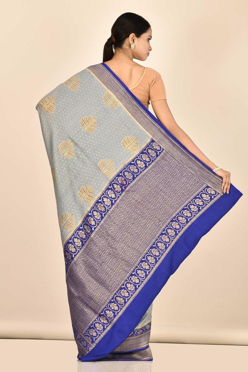 Handloom Hand Painted Banarasi Munga Silk Saree with Running Blouse Fabric 3