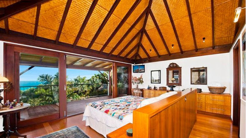 yellow sofa table microfiber cleaner inside chris hemsworth's byron bay beach-side home