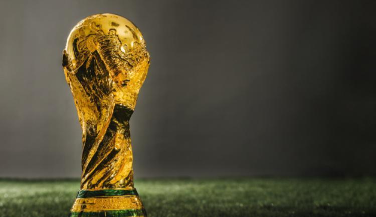trofeu-de-copa-de-ouro-de-futebol_23-2147817315