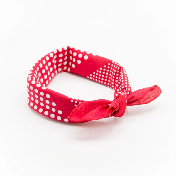 bandana rouge à pois blanc avec noeud