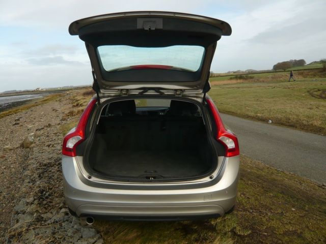 VOLVO V60 D2 BUSINESS NAV