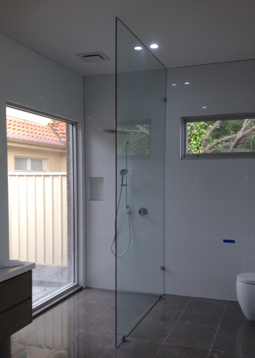 Floor to ceiling glass shower panels for Floor to ceiling glass panels