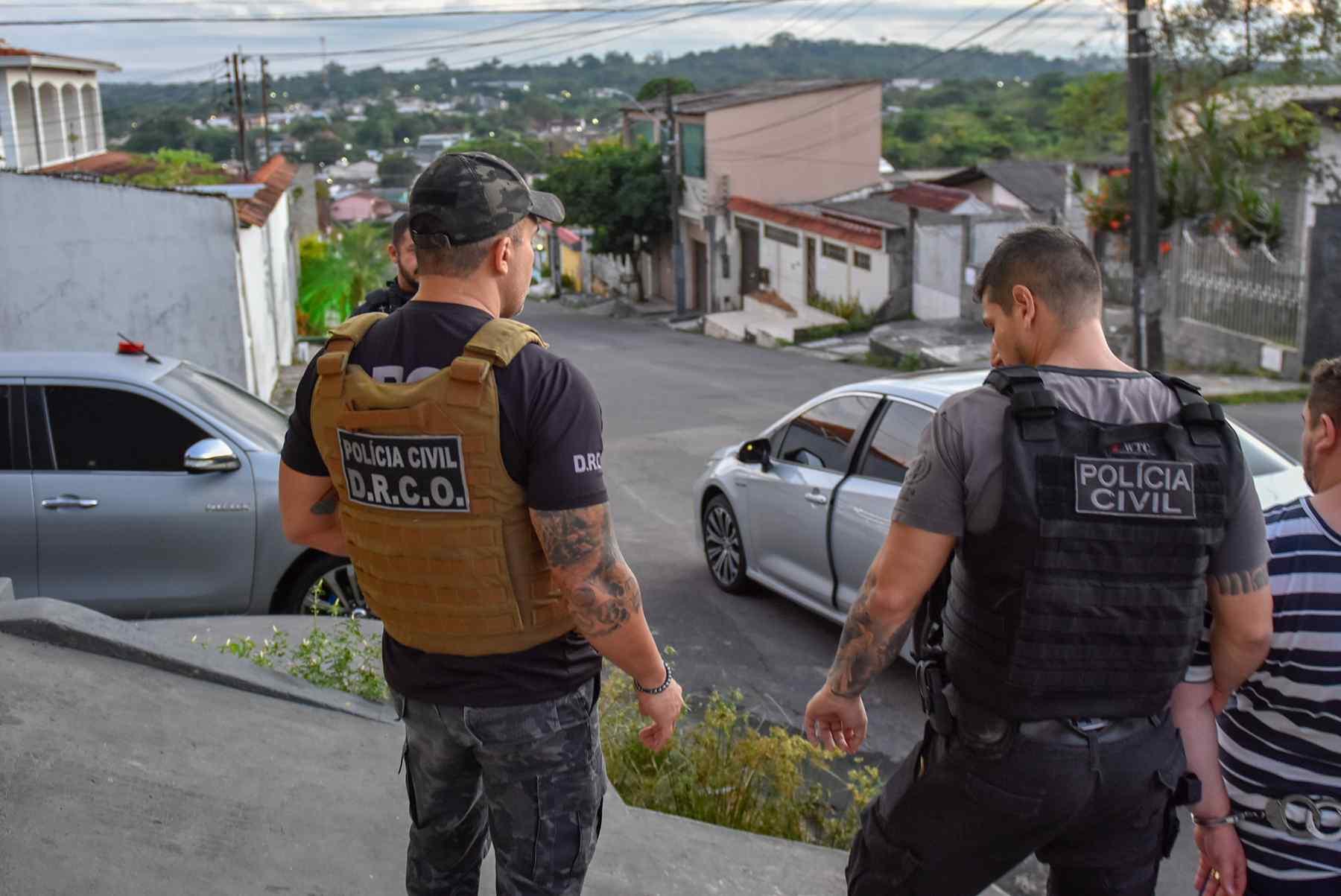15 pessoas são presas e uma morre em ação da Polícia Civil nos estados do AM, SP e RJ