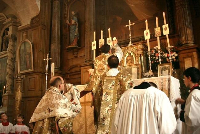 The Traditional Mass & the Catholic Man Crisis