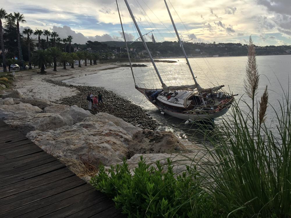 15-septembre-2016-bateau-echoue