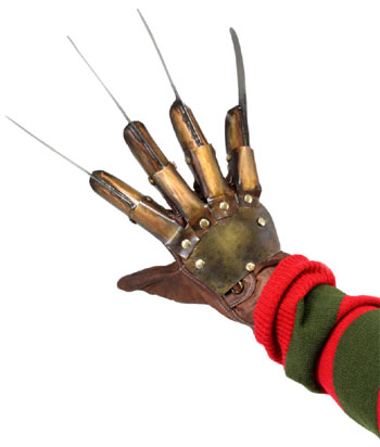 The very first NoES opens with Krueger helpfully demonstrating how to make his distinctive glove. Dey don't let you do dat in movies no more!