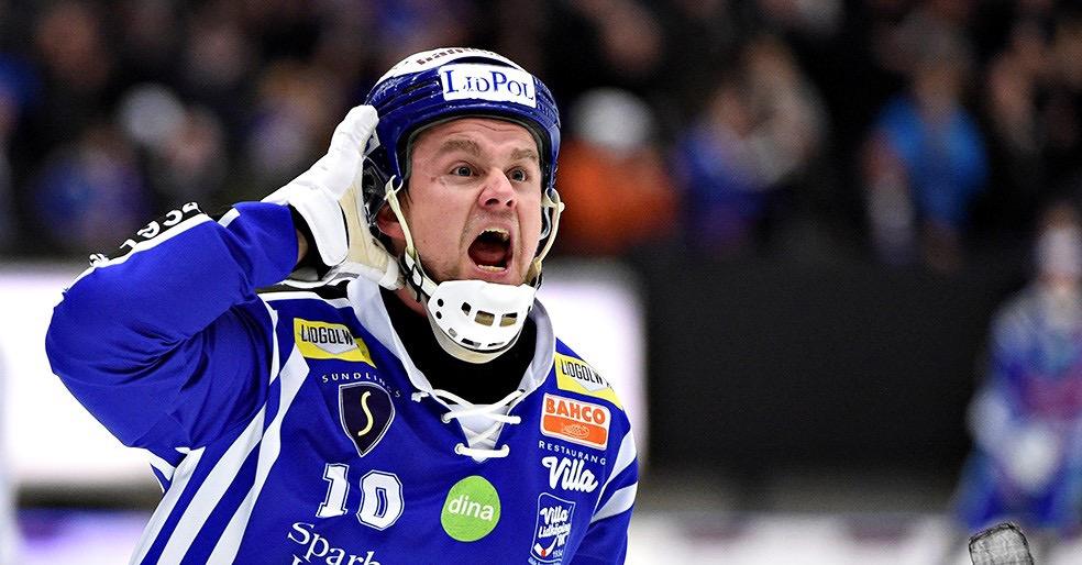 David Karlsson, Villa,