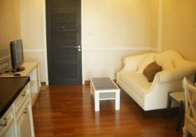 Ivy Sathorn – apartment for rent in Bangrak, Bangkok | 400 m. to to Chong Nonsi BTS | short walk to eateries, cafes & supermarkets