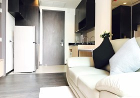 Edge Sukhumvit 23 – Bangkok condo for rent | 5 mins walk to Asok BTS/Sukhumvit MRT | steps to restaurants, cafes & shops
