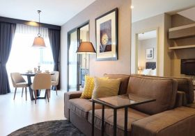 Rhythm Sukhumvit 36-38 | condo for rent near Thonglor BTS | bright north view | fully furnished with washing machine