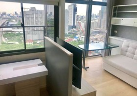 Chewathai Residence Asoke condo for rent | 7 mins walk to Rama 9-Phetchaburi MRT & airport link | washer/dryer in unit