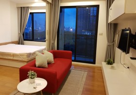 Blocs 77 – condo for rent near Onnut BTS, Sukhumvit | north facing + canal view | fitted kitchen + washing machine