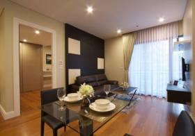 Bright Sukhumvit 24 – Bangkok condo for rent | 10 mins walk to Phrom Phong BTS | washer + bathtub |  gym, pool, sauna