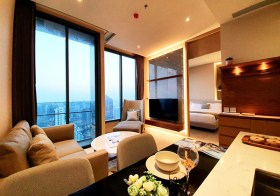 The Esse Asoke condo | 7-10 mins walk to Sukhumvit-Phetchaburi MRT/ Asoke BTS | unobstructed view + north facing