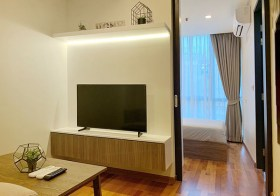 Wish Signature Midtown Siam condo | 7-10 mins walk to Ratchathewi-Phayathai BTS/airport link | east facing, unobstructed view