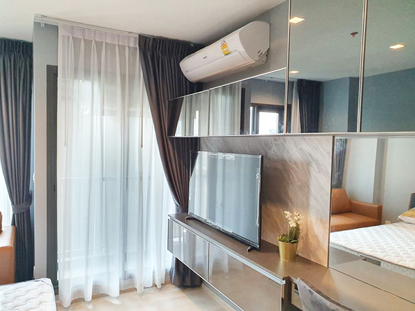 Life One Wireless (ไลฟ์ วัน ไวร์เลส) คอนโดให้เช่า Bangkok condo for rent | shuttle service to Phloen Chit BTS (เพลินจิต) | fully furnished with washer | north facing | nice garden view